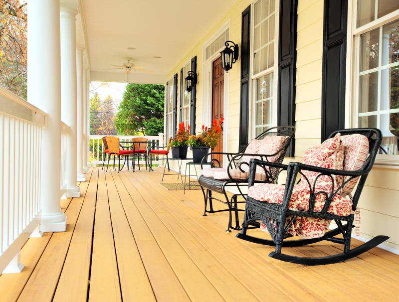 view of a front porch